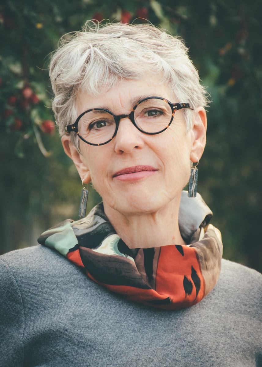 Kelly Rowe Author Photo