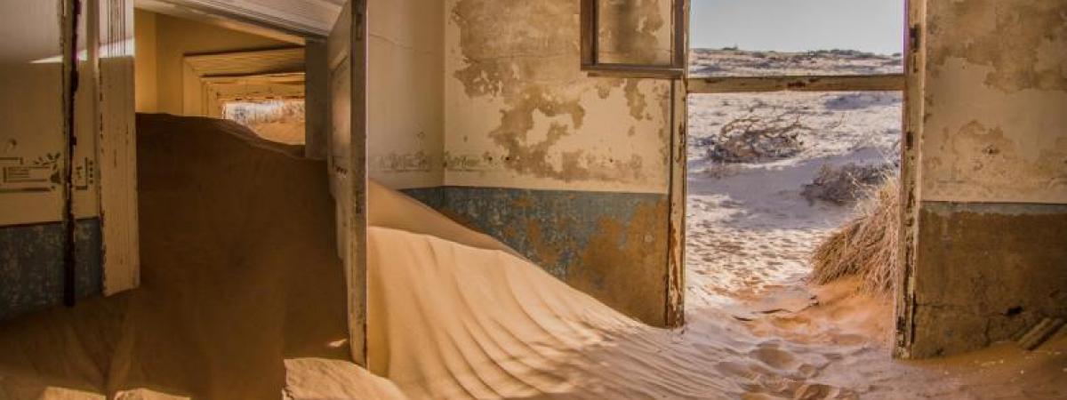 house full of sand